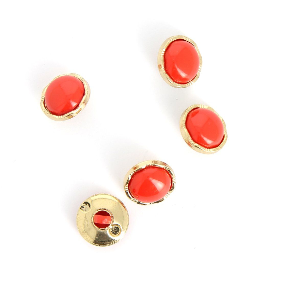 Ösenknopf in Rot und Gold